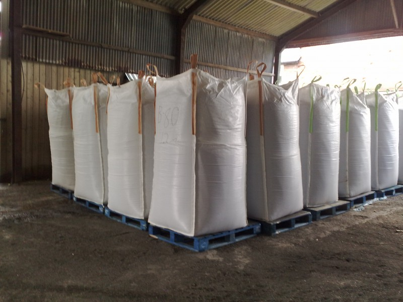 One-tonne-bags-of-plastic-or-rubber